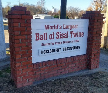 World's Largest Ball of Sisal Twine, amazing.